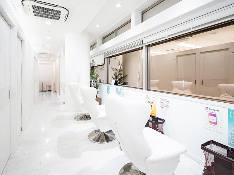 横浜マリアクリニックの待合室