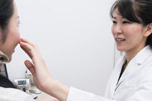 横浜マリアクリニックの毛穴の詰まり・黒ずみ治療のカウンセリングは無料です。