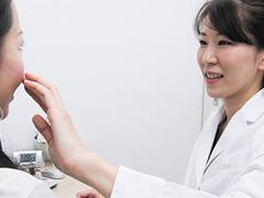 横浜マリアクリニックでは、顔脱毛による肌トラブルは無料保証